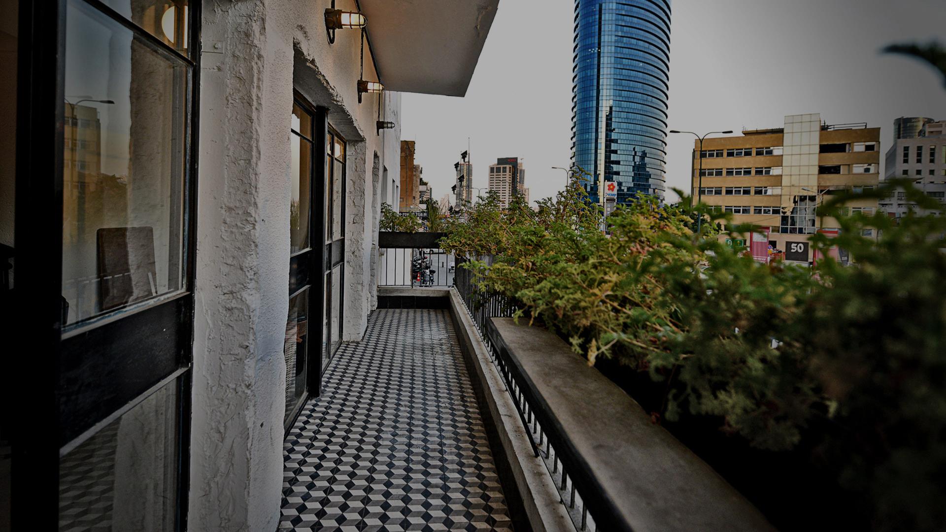 מרפסת בית השמחות תל אביב